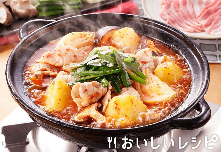 ピリ辛、ホクホク!じゃがいもと豚肉のキムチ鍋