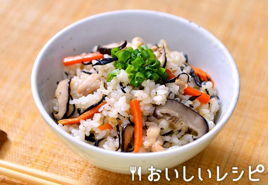 クファジューシー(沖縄風鶏の炊き込みごはん)