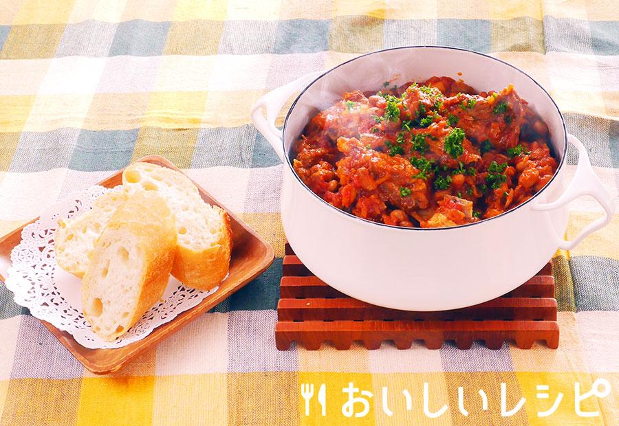 スペアリブと大豆の黄金トマト煮込み