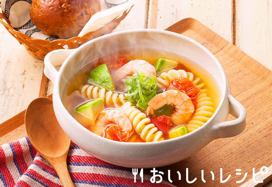 〈温〉エビとアボカドのパスタ鍋