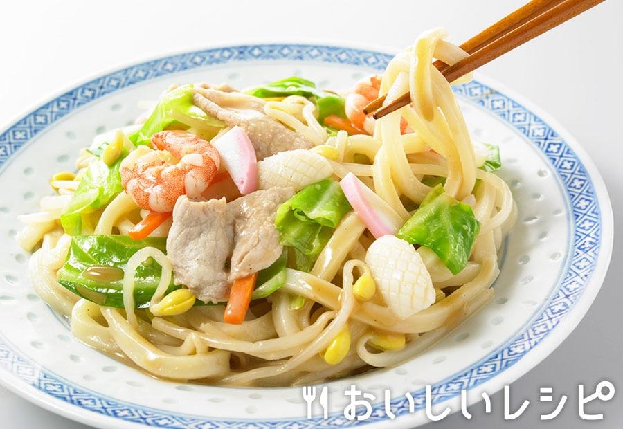 ちゃんぽん風うどん(魚介とんこつ醤油味)