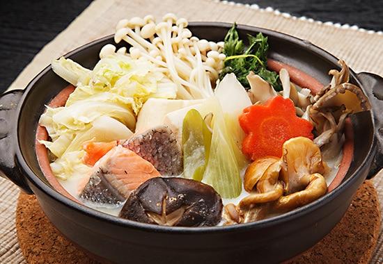 早く煮えて、だしがよく絡む、鍋用野菜の切り方[白菜編]